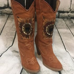Unique feathered cowgirl boots